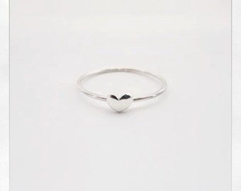 Small Heart Ring in Silver