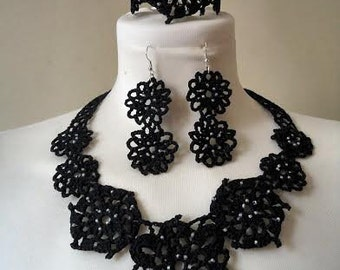 Set of earrings, bracelet and necklace, all handmade, crochet color choice and various models available