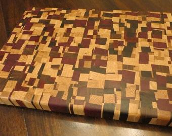 Chaotic pattern end grain cutting board
