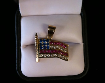 10 k Yellow Gold Charm American Flag Studded With Red Blue & White Czs, 3.8 gm.