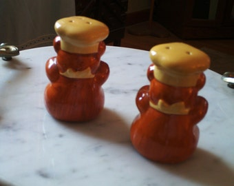 Teddy bear salt and pepper shakers