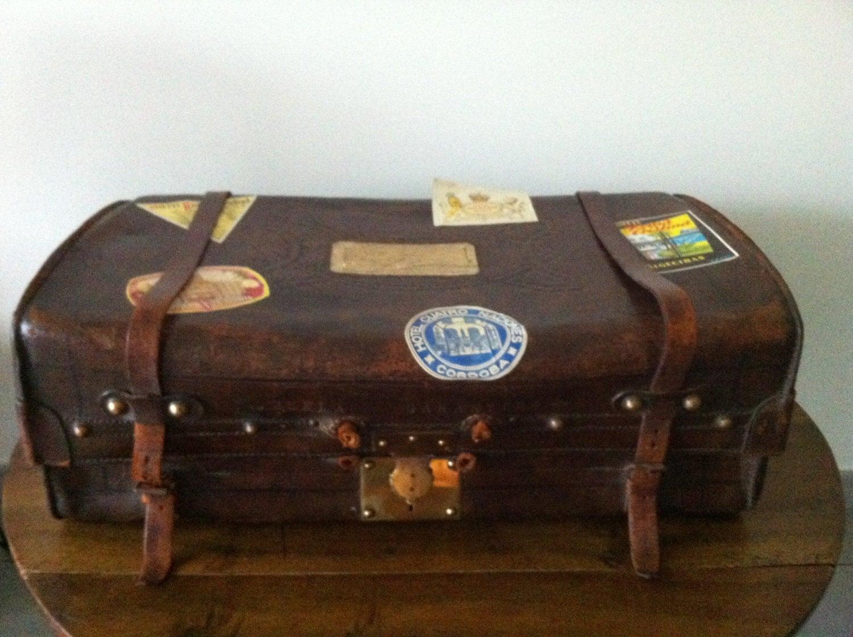 malle ancienne 1900 en cuir valise en cuir par biarritzautrefois. Black Bedroom Furniture Sets. Home Design Ideas
