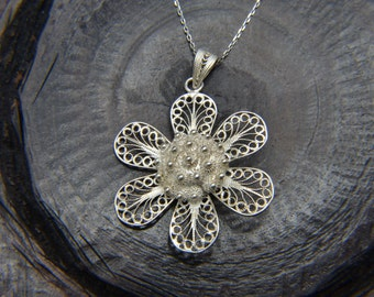Filigree Pendant 925 Sterling Silver Flower Necklace Handcrafted Beautifully Detailed Gorgeous