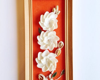 Vintage flower wall decor made of shells