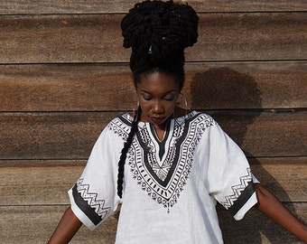 Queen Hand painted Dashiki (black and white)