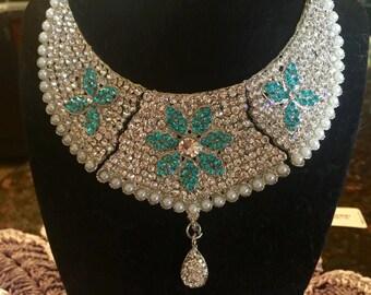 Luxurious Turquoise Necklace Set