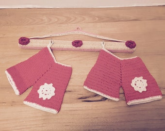Crochet Hanger With 2 Potholders