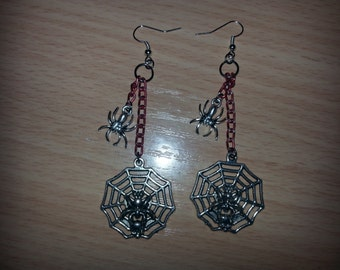 Spiders and chains earrings