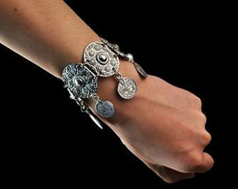 Super gift antique silver coin bracelet.