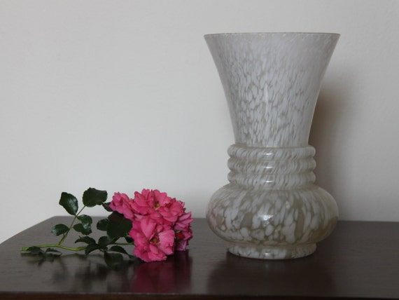 Vase fran ais antique art d co en verre marbr blanc vase vers for Deco vase en verre
