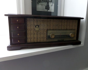 Vintage Philco Tube Radio - Philco Radio -  Vintage Tube Radio - Philco AM/FM Vintage Tube Radio