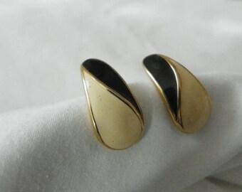 Enamel Ivory and black vintage stud earrings