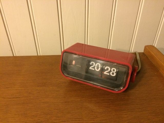 horloge lamelles flip flap vintage copal rouge ann es 70. Black Bedroom Furniture Sets. Home Design Ideas