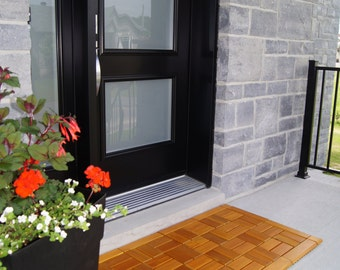 Stained cedar wood doormat