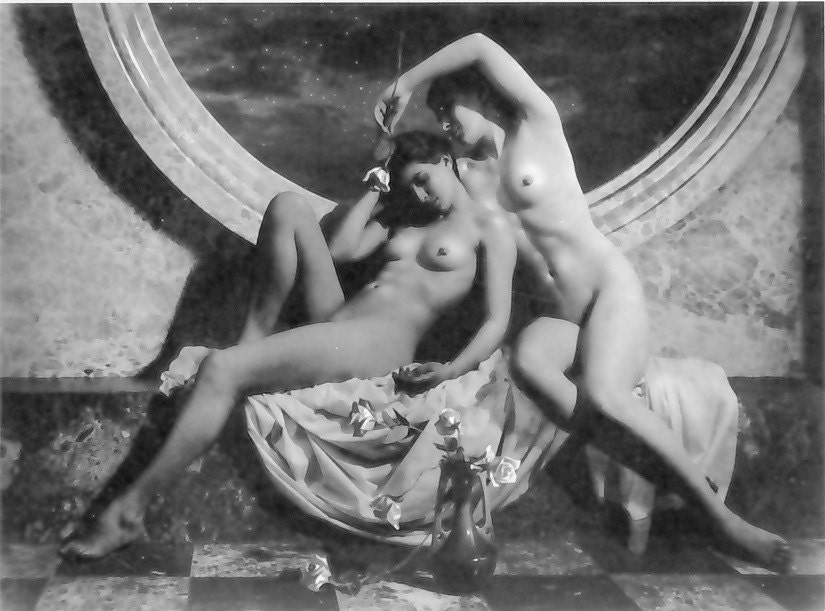 Britney naked pose