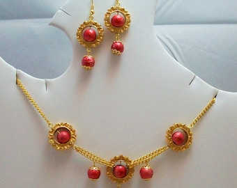 Chic Chinoiserie Earrings and Necklace Set