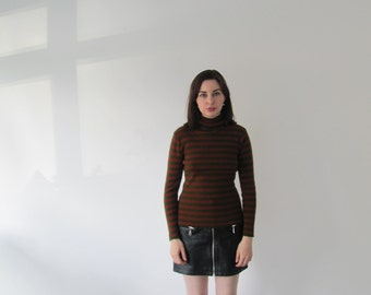 Vintage 1960s Ladies Stripe Poloneck Sweater