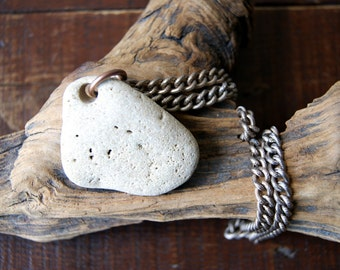 Beach Stone Necklace - Beach Pebble Necklace - Hag Stone Necklace - vintage chain - nautical fashion - boho chic