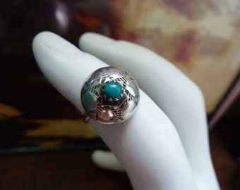 Vintage Sterling Silver and Turquoise Etched Star Southwestern Dome Ring Size 5.25