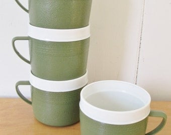 4 vintage thermo green mugs