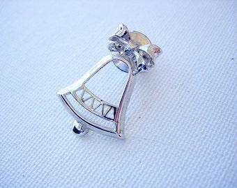 Pretty Vintage Avon Christmas Bell Lapel Tac Pin