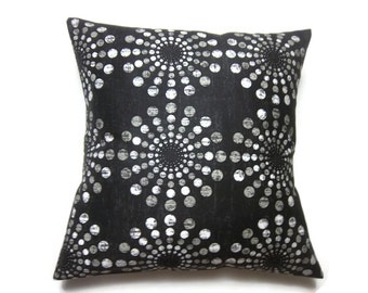 Decorative Pillow Cover Black Ivory Circle Design Decorative Polished Cotton Same Fabric Front/Back TossThrow Accent 18x18 inch x