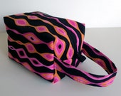 HOLIDAY SALE - Wavy Pink Lines Zipper Box Knitting Project Bag