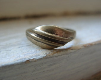 FREE SHIPPING Size 7 1/2 Vintage Brasstone Industrial Modern Design Ring