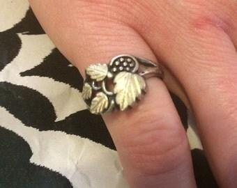 Darling Vintage Sterling Silver Autumn Leaf Ring Lot 11