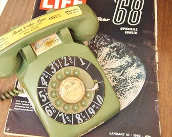 Free Shipping Vintage Retro Groovy Green rotary phone telephone