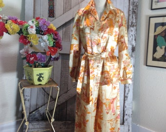 1970s novelty print pant suit 70s lounge wear size medium Vintage palazzo pants and blouse