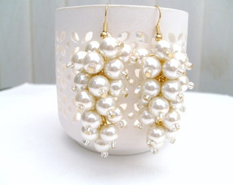 Ivory Pearl Cluster Earrings, Bridal Pearl Earrings, Beaded Earrings, Bridesmaid Earrings, Custom Colours, Wedding Jewelry, Dangle Earrings