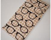Geek Glasses Case Soft Cozy Sleeve Eyeglass Spectacles Specs Designer Black Beige Houndstooth Geekery Geeky