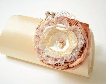 READY To SHIP ~ Bridal Clutch in Champagne Cream Vanilla ~ Bridesmaid Bouquet Clutch ~ Lace Ivory Bronze Gold Flower ~ Wedding Clutch