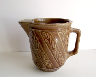 Earthenware Pitcher Light Brown Pottery Vase with Spout and Handle Leaf Motif