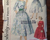Lovely 1950's Simplicity Dress Pattern #1553 Sz 11 Bust 31.5 - WV