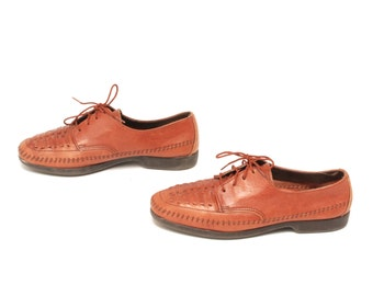 size 10 WOVEN tan brown leather 80s 90s OXFORD lace up flats