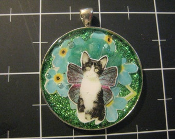Flutterkitten Glitterflake, 50% of the proceeds go to the current selected animal charity