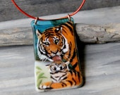 Amazing mom and baby tiger - fused glass pendant