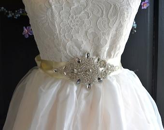 Wedding Sash, Rhinestone wedding dress sash, Rhinestone Bridal sash, wedding dress belt, crystal belt, crystal wedding sash