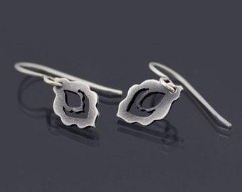 Tiny Sterling Silver Earrings, scalloped dangle earrings, dainty earrings, oxidized silver earrings, peacock earrings