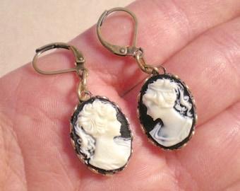 oO BLACK LADY Oo cameo earrings