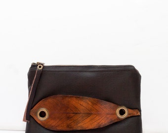 Leather Pouch with Pawpaw Leaf