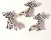 10 Umbrella and Beach Chair Charms - 3D & AMAZING! - Antique Silver - SC1#GE