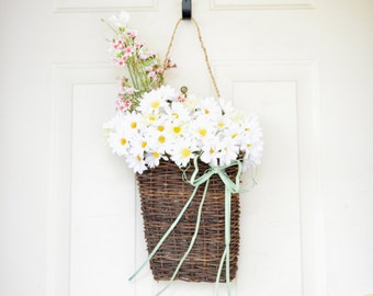 Wall Basket with yellow and white daisies - Spring Decor - Summer decor  - Front door decor