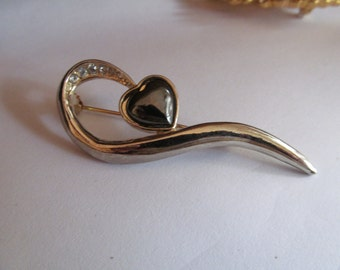 heart retro brooch