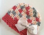 Newborn beanie.. Removable bow.. Photography prop.. Ready to ship