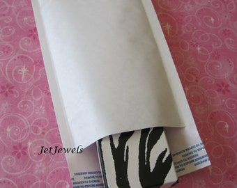 15 Bubble Mailers, Shipping Envelopes, Padded Envelopes, White Mailers, Padded Mail Envelopes, Shipping Supply, Shipping Bags Size 4x8