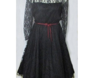 1960s Black Chantilly lace cocktail party dress large size Bust 40 full skirt