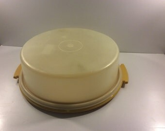 VTG Tupperware Cake Carrier // Cake Tray // Yellow // Cake Traveling Case